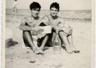 df_19_giuseppe_paolo_la_maddalena_spiaggia_anni70