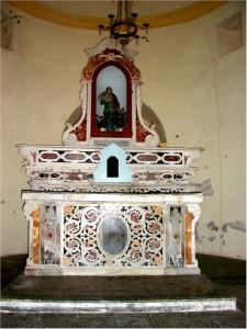 L'altare maggiore della chiesa di Santa Barbara Vergine e Martire Cagliaritana