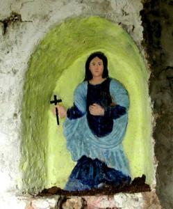 L'edicoletta contenente l'immagine a bassorilievo di Santa Barbara Vergine e Martire Cagliaritana