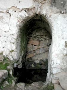 Particolare della nicchia interna costruita esattamente al di sopra della sorgente